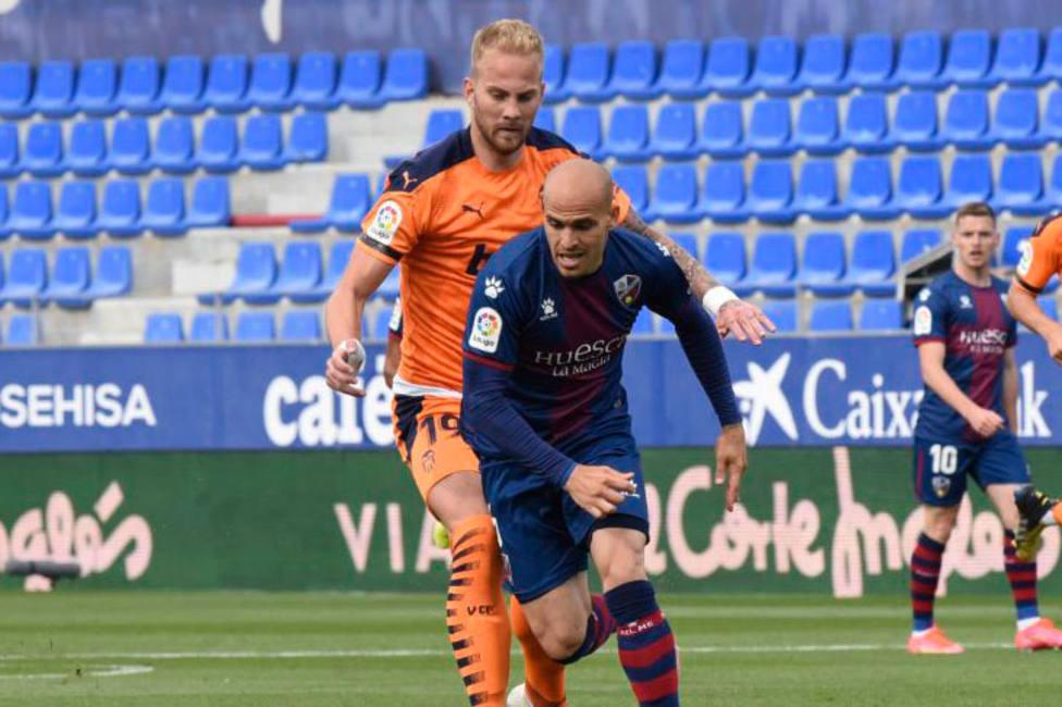 Sandro controla un balón en el partido ante el Valencia (@LaLiga)