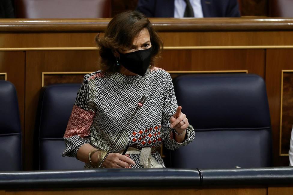 La vicepresidenta primera del Gobierno Carmen Calvo en la sesión de control al Gobierno