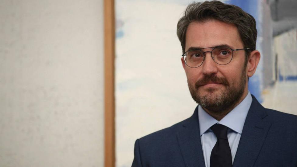Máximo Huerta sorprende a sus seguidores dejando un recado a uno de los ministros que sale del Gobierno