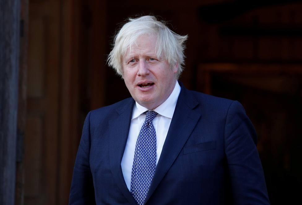 El Gobierno británico plantea suministrar dosis de refuerzo en septiembre
