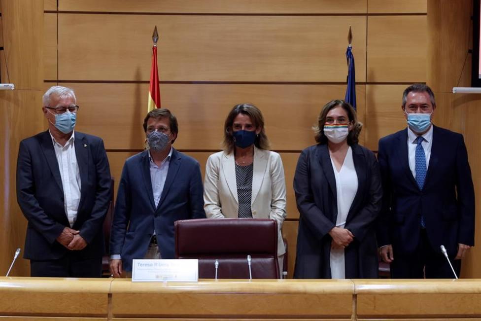 Almeida, Colau y el alcalde de Bilbao, los regidores que más cobraron en 2020, y el de Zamora, el que menos