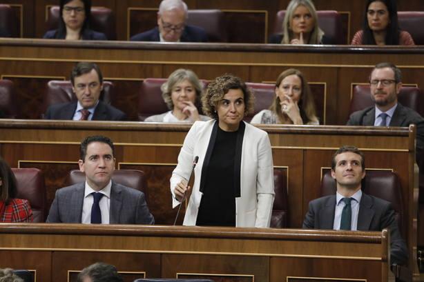 Montserrat parafrasea a Pedro Sánchez y le exige elecciones como él se las reclamaba a Rajoy si no aprobaba los PGE