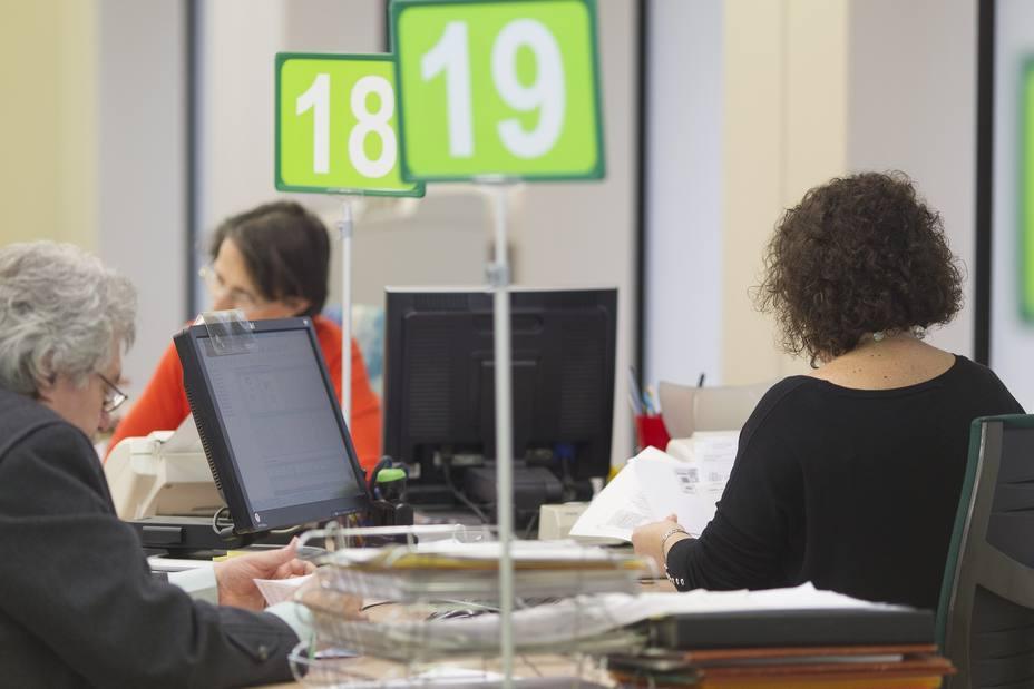 El gasto en prestaciones por desempleo sube un 0,8% en octubre y la cobertura se sitúa en el 57,1%