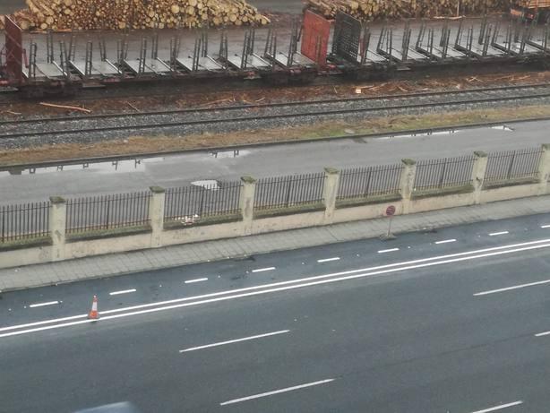 La avenida del Ejército se ha quedado sin las plazas libres de aparcamiento