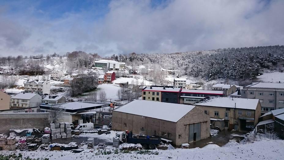 Cinco centros educativos de A Montaña resultaron afectados por la nieve