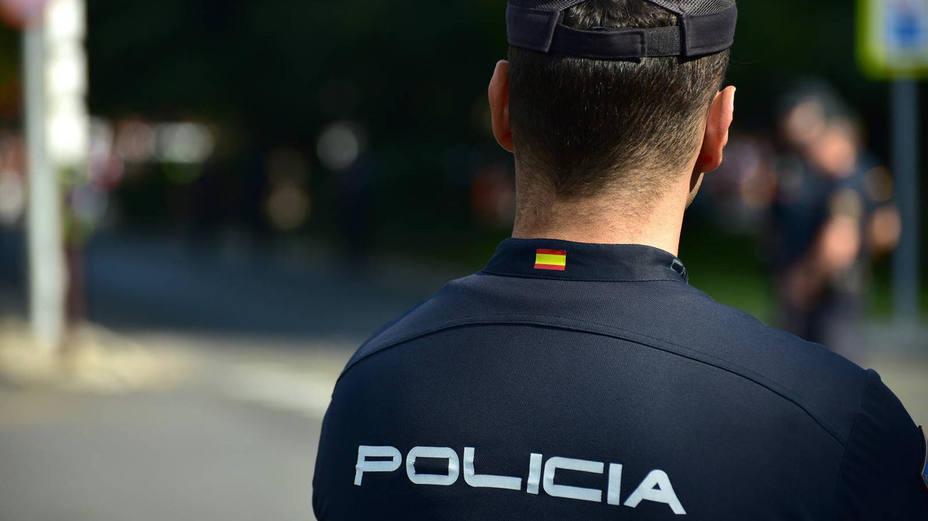 un policía fuera de servicio