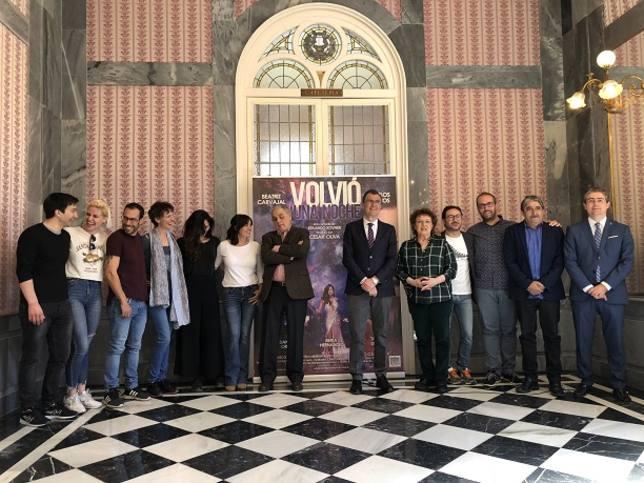 El Romea acoge el estreno nacional de la comedia 'Volvió una noche'