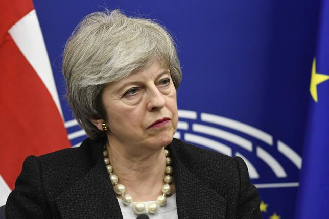 Londres advierte de que un aplazamiento largo del Brexit implica participar en las europeas