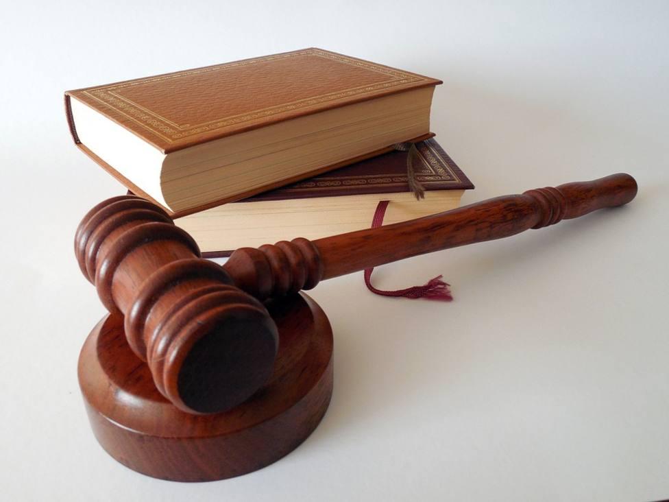 Condenan a vigilante de discoteca de Águilas que golpeó con la porra clienta