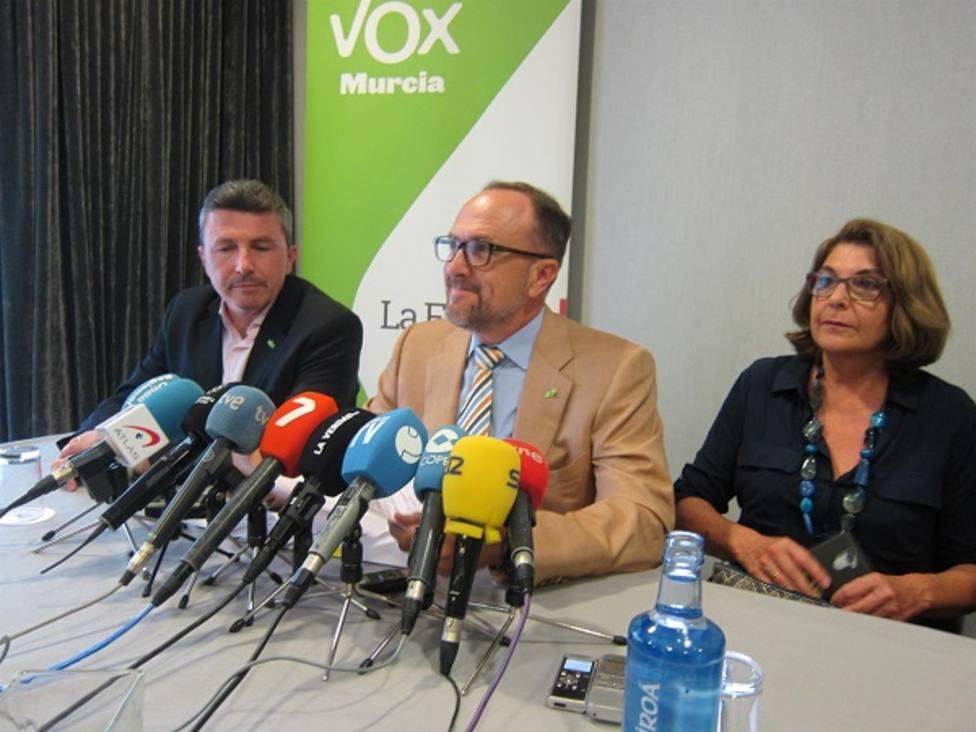 Vox propone un acuerdo a Cs y PP para desbloquear el Gobierno de Murcia