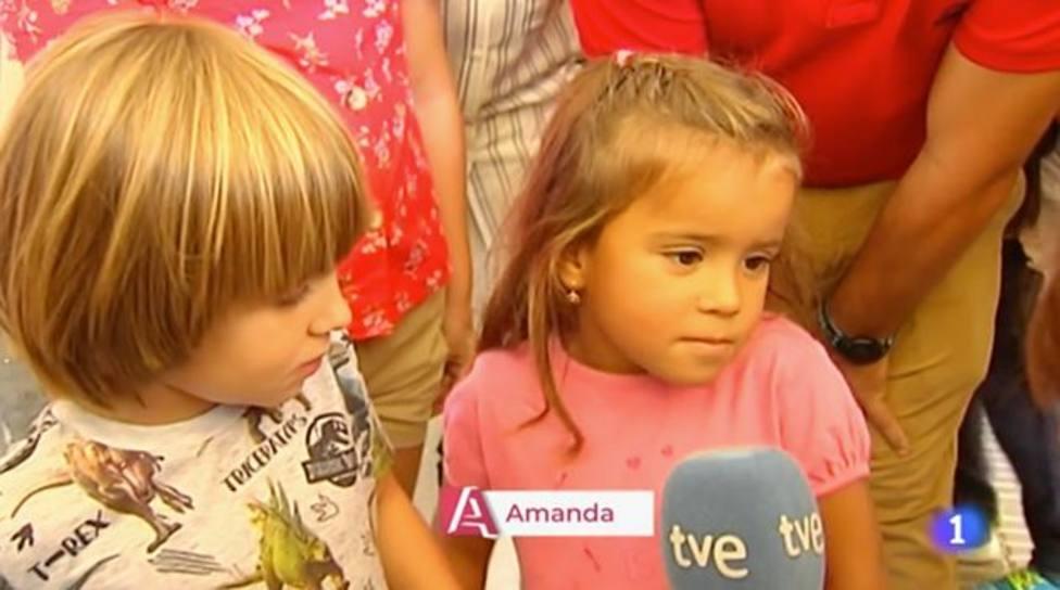 """La sorprendente respuesta de una niña cuando le preguntan si la Reina Letizia """"es simpática"""""""