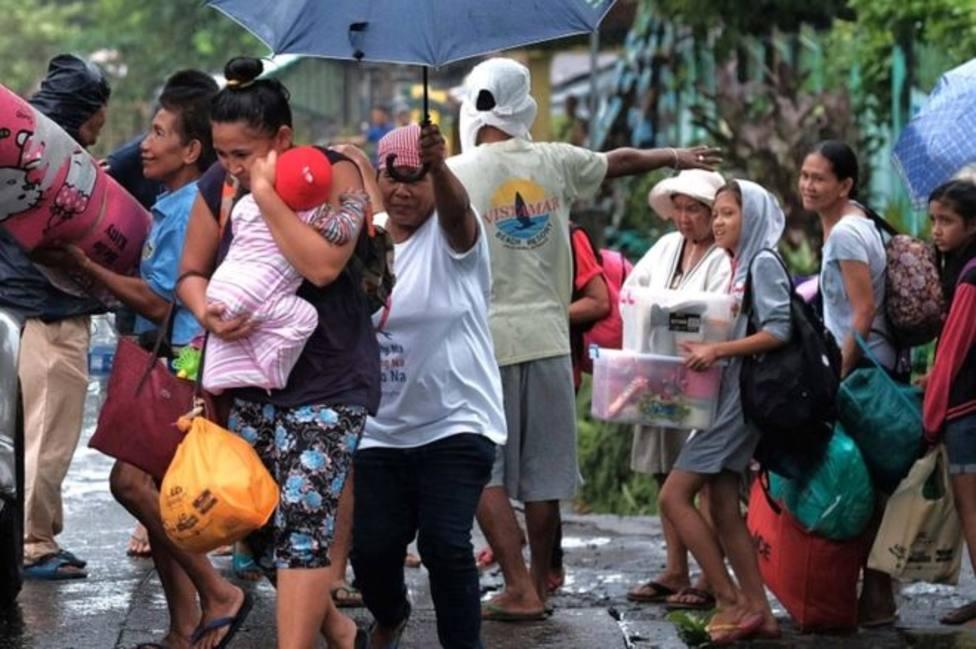 El tifón Kammuri deja un muerto y más de 200.000 desplazados en su avance hacia Filipinas