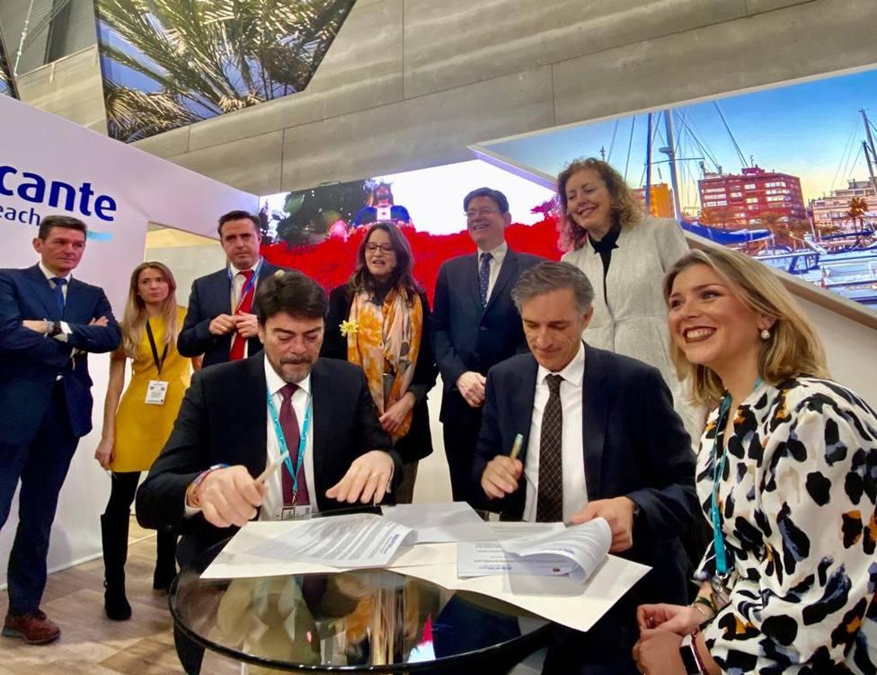 Firma de convenio entre Ayuntamiento y Aguas de Alicante (Ayuntamiento)