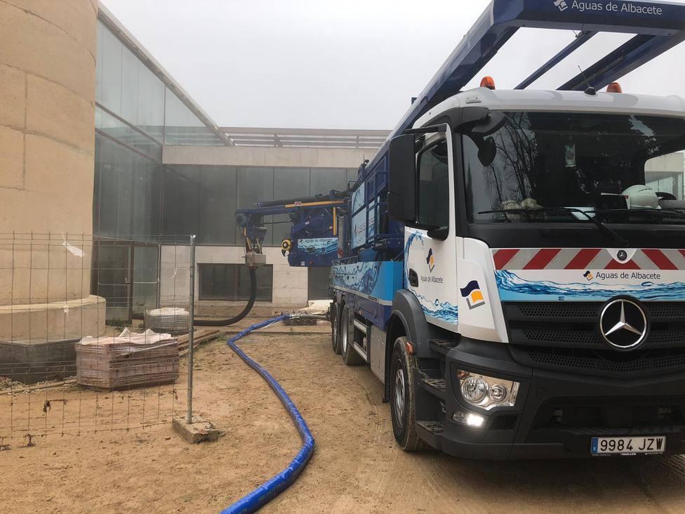 Aguas de Albacete trabaja en el Parque de la Fiesta del Árbol