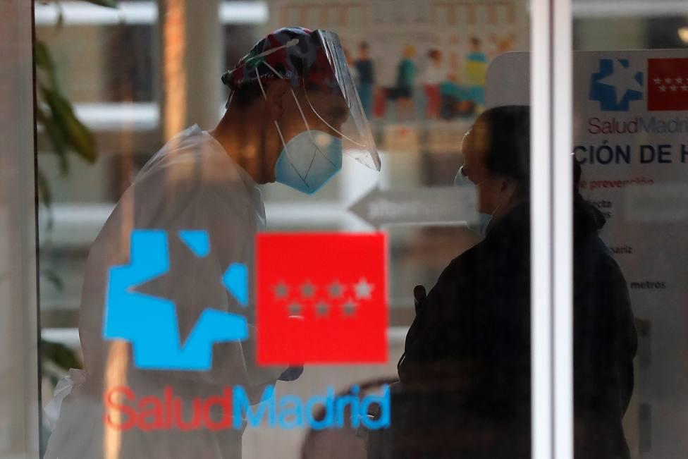 Sanidad propone para Madrid su cierre y limitar el aforo de hostelería y comercios al 50%