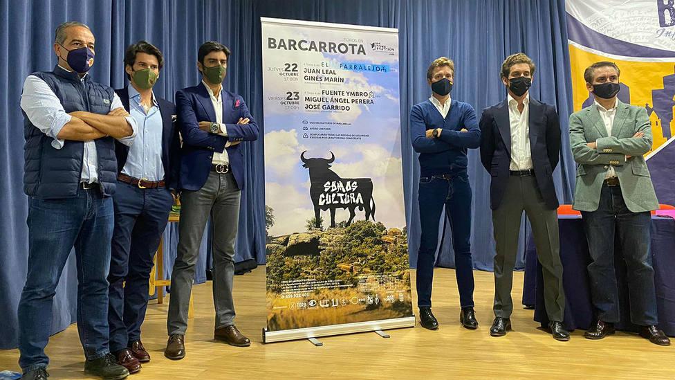 Acto de presentación de los carteles de la Gira de Reconstrucción en Barcarrota