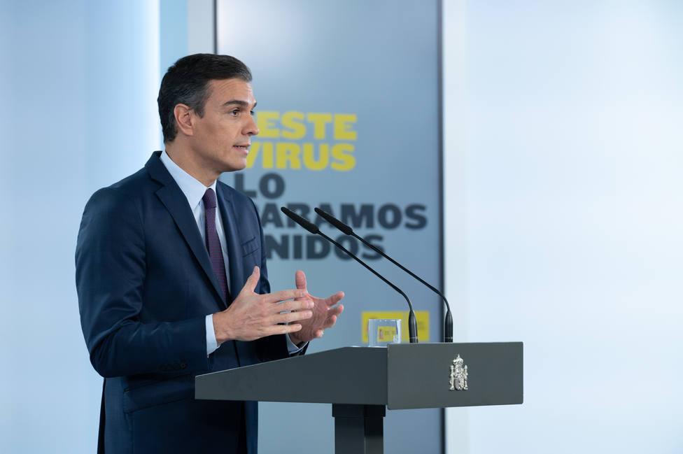 """La Moncloa rodea a Sánchez de """"cortafuegos"""" para frenar el desgaste del virus"""