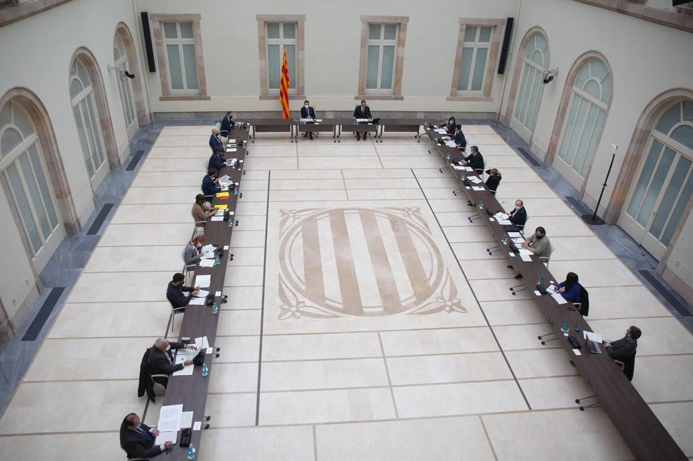 El Govern de Cataluña convoca el viernes a las 12.00 la mesa de partidos para decidir si se pospone el 14F