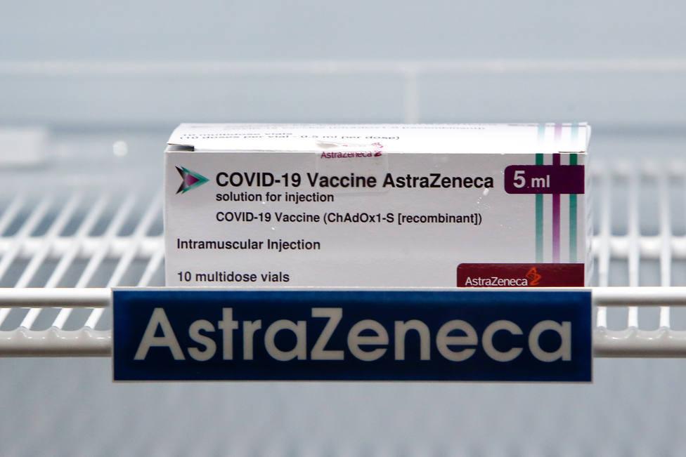 AstraZeneca respeta la decisión del Gobierno y las CC. AA. de cambiar las pautas de vacunación