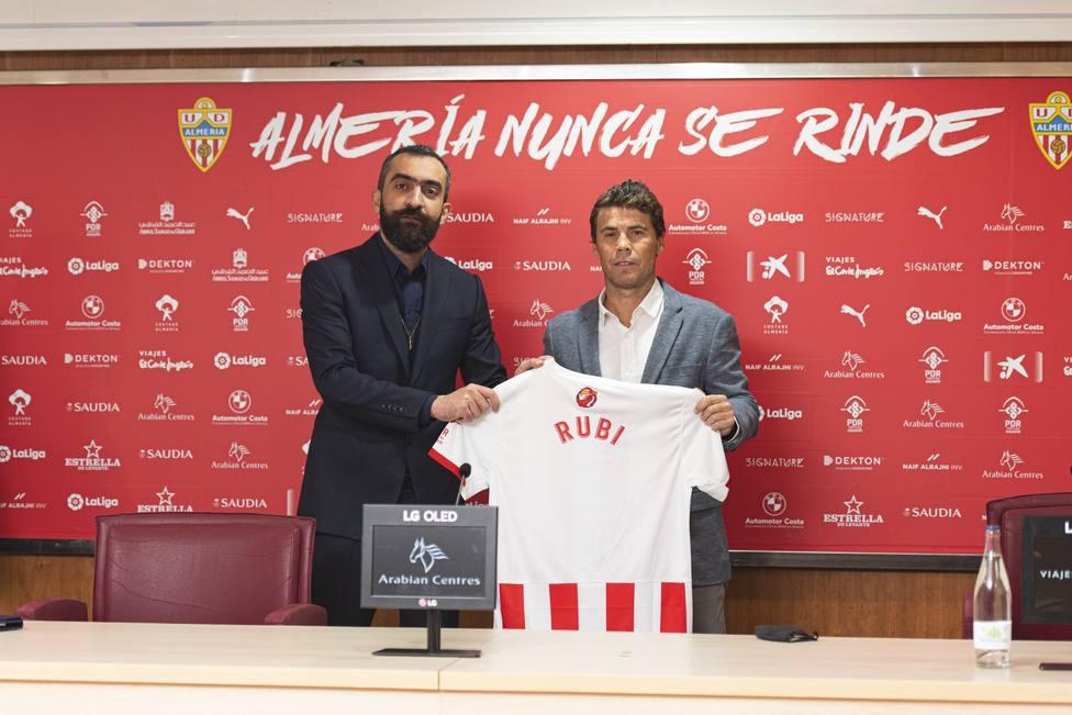 Mohamed El Assy y Rubi