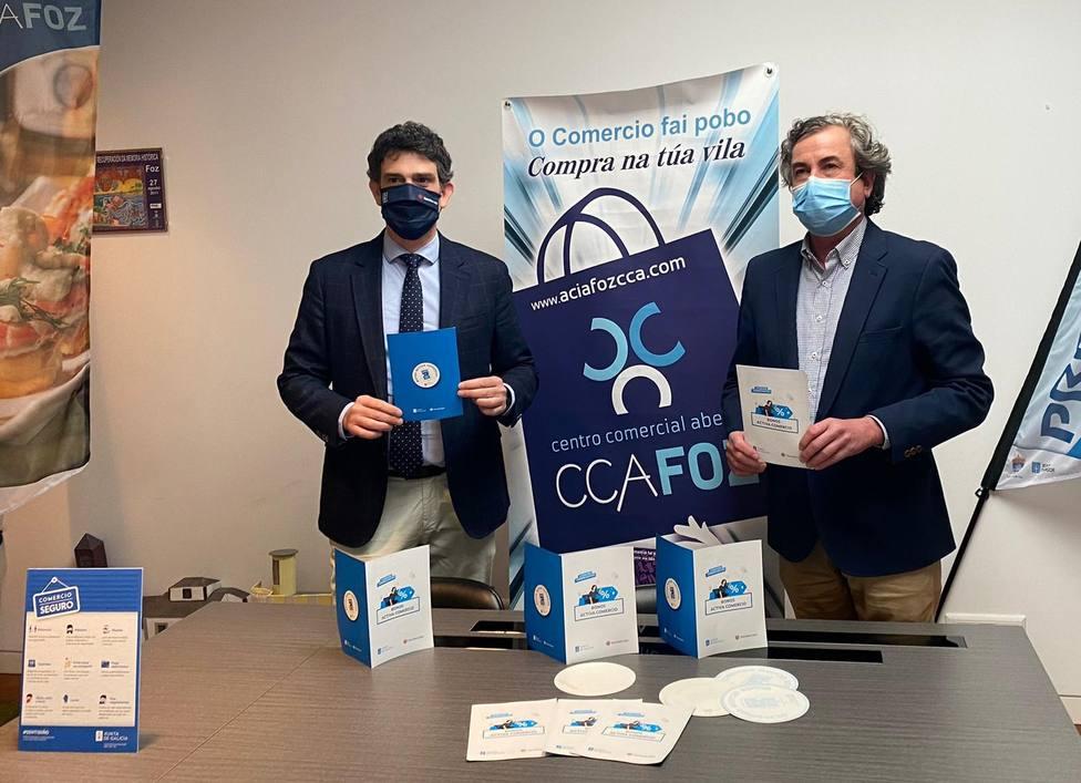 Javier Arias, delegado territorial de la Xunta, y José Carlos Paleo, presidente de la FCAM