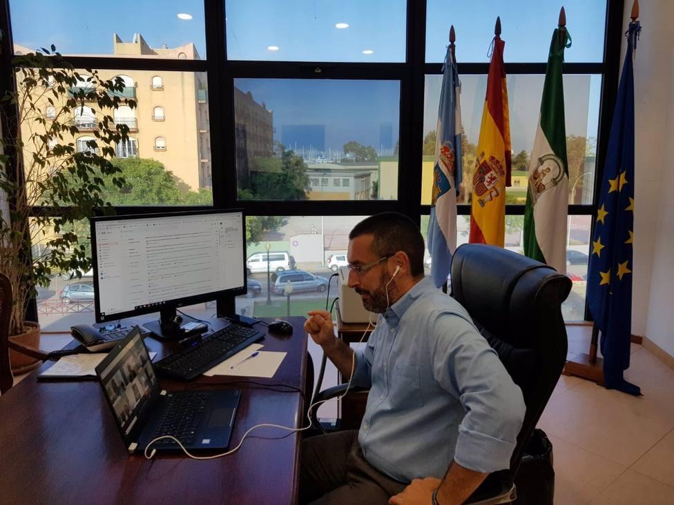 El alcalde La Línea muestra su repulsa por los altercados y la imagen deplorable
