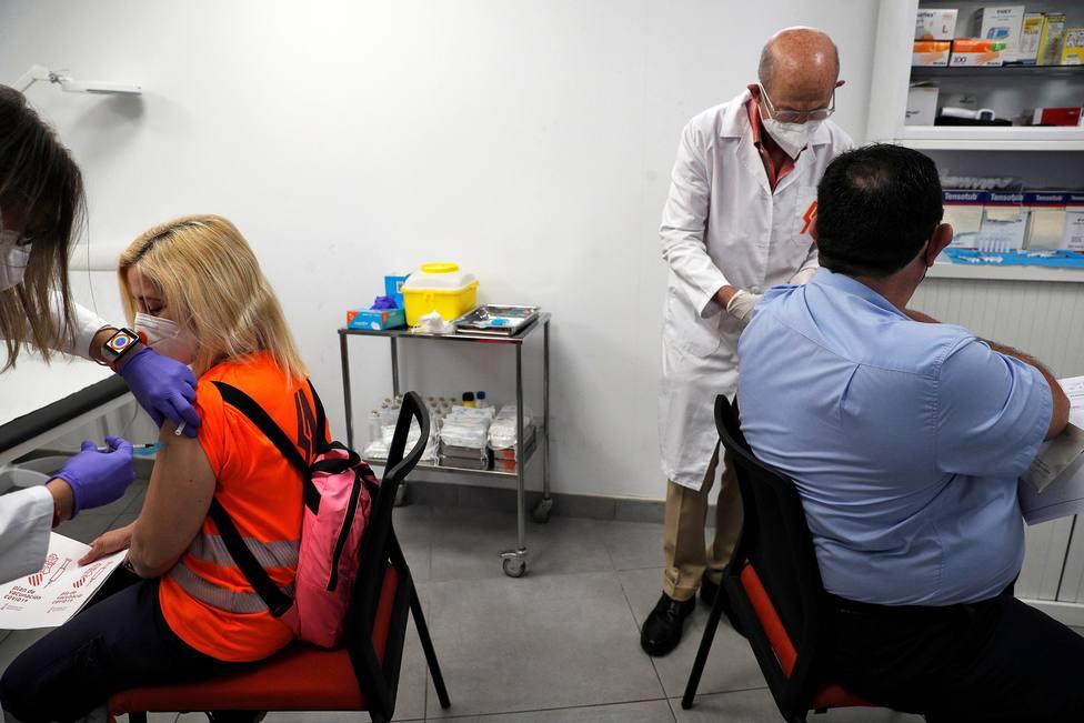 Médicos e inmunólogos dudan si con el 70 % de población vacunada habrá inmunidad de grupo