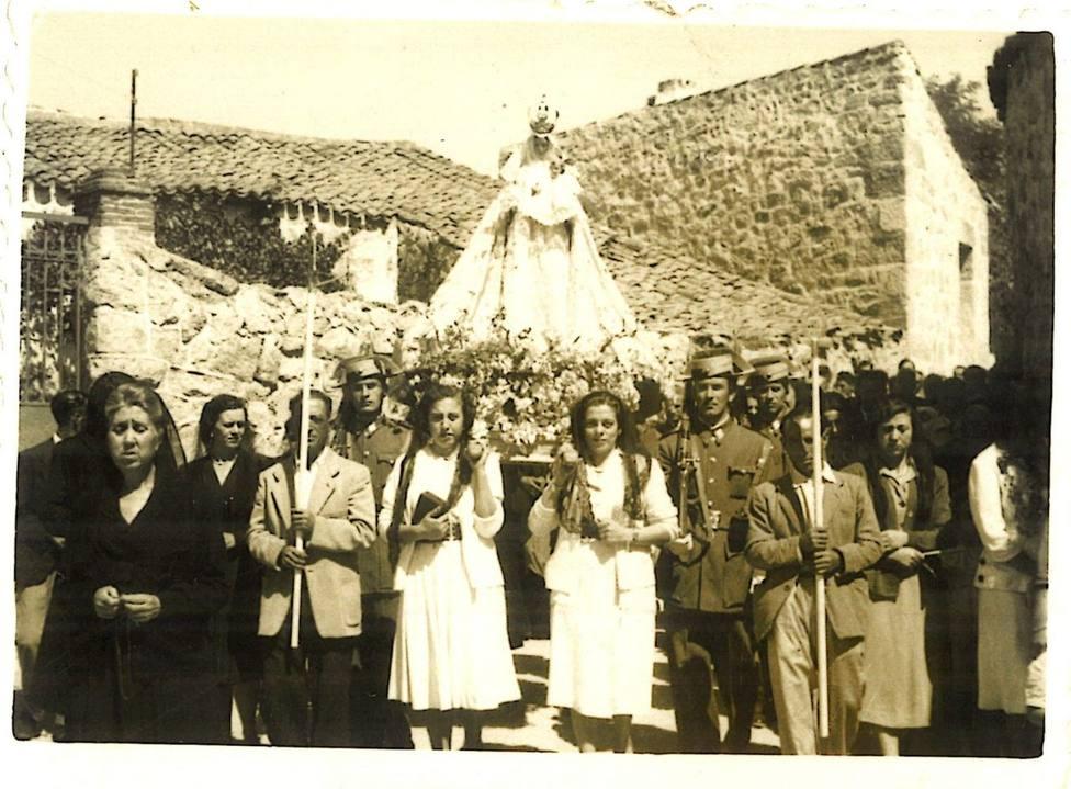 Procesión Virgen del Rosario, 1952 | FOTO: Ayuntamiento Hoyo de Manzanares