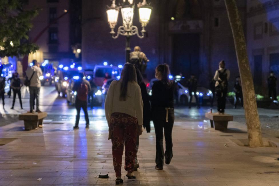 Cataluña pedirá a la justicia que autorice un toque de queda en 158 municipios