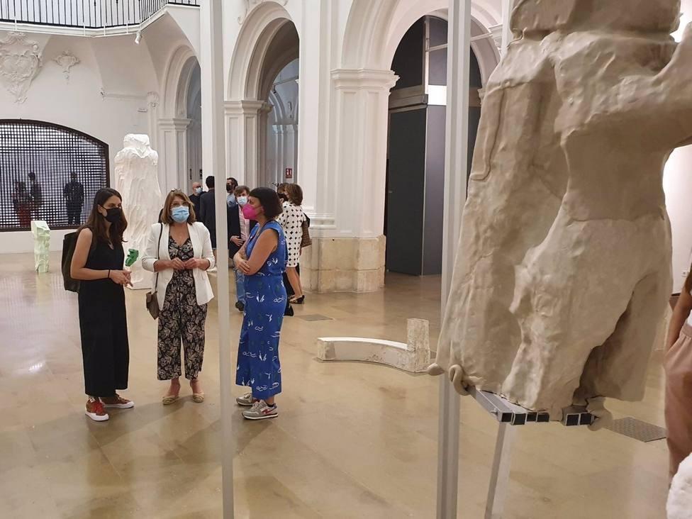 La Sala Verónicas acogió ayer la presentación de la muestra de Ludovica Carbotta