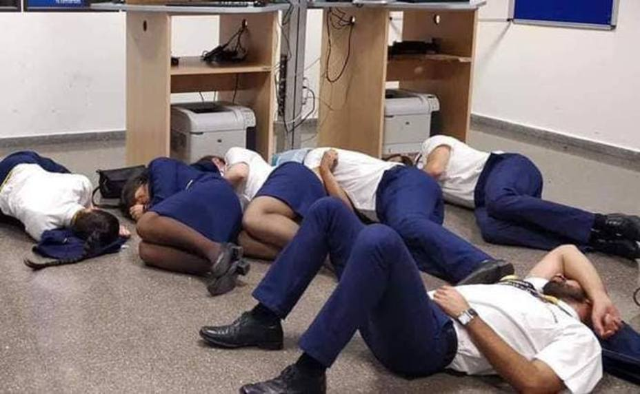 Ryanair despide a los tripulantes que denunciaron malas condiciones con una foto falsa