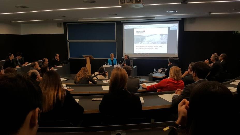 Jenny Darroch(Drucker School): Es esencial para la sociedad directivos que piensen por encima de cuentas de resultados
