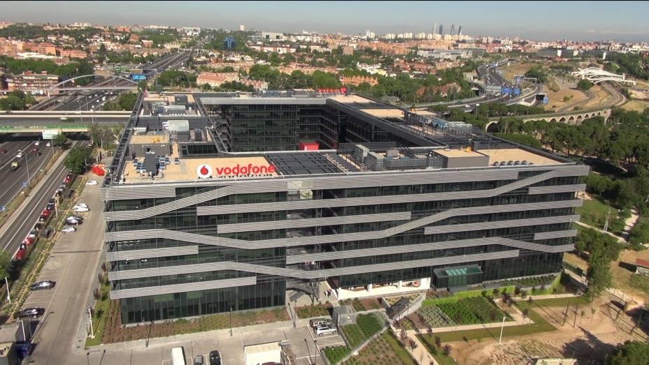 Vodafone España propone a los sindicatos un ERE para hasta 1.200 empleados, el 23,5% de la plantilla