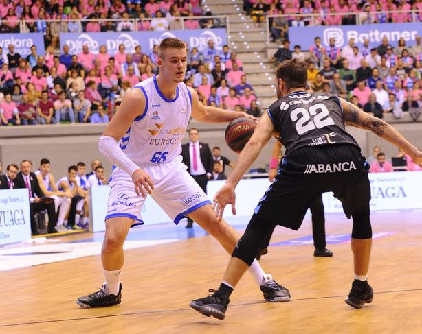 Baloncesto.- Mitrovic y Radoncic refuerzan al UCAM Murcia