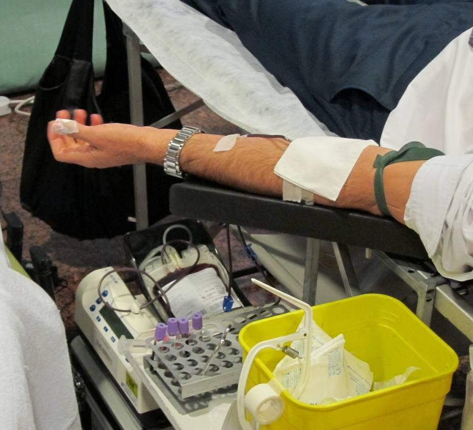 La Federación Española de Donantes de Sangre pide a los españoles que donen, tras la caída en las reservas