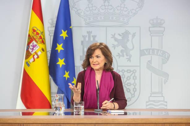 Calvo cree que es el momento de afrontar una salida política para Cataluña y resta importancia a la figura del relator