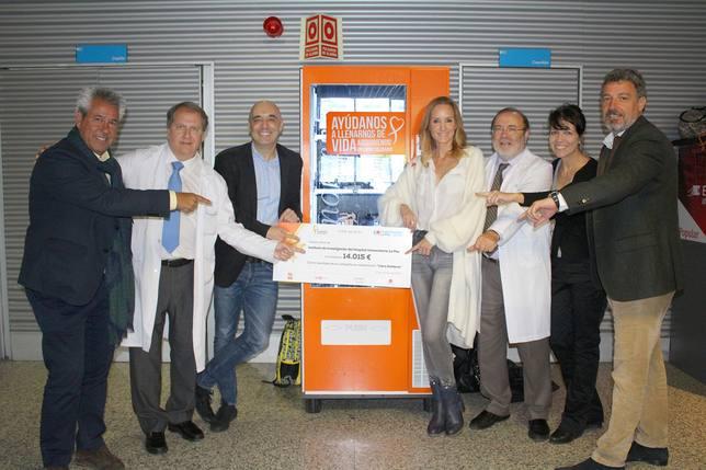 La Fundación Sandra Ibarra dona 14.000 euros a La Paz para investigar el cáncer de pulmón