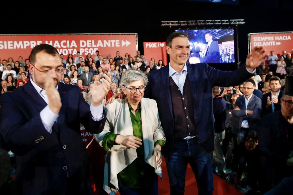 Sánchez se compromete a desarrollar la legislatura de las oportunidades para la gente joven