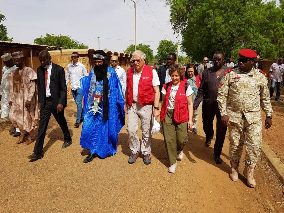 Borrell aborda con el Gobierno de Níger la cooperación en inmigración y seguridad