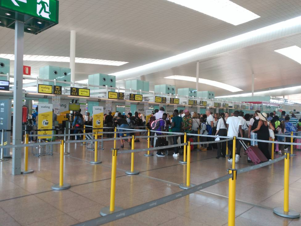 Normalidad en el Aeropuerto de Barcelona al inicio de la segunda jornada de huelgas simultáneas