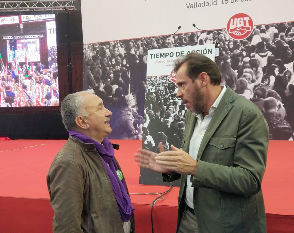 Álvarez (UGT) cree que la situación económica no es la de 2008 y Sánchez quiere evitar errores de Zapatero