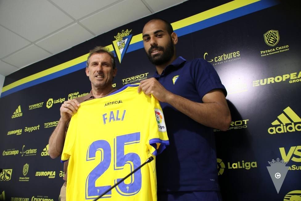 Fali, jugador del Cádiz, en Tiempo de Juego: Tienen que matarme para quitarme los tres puntos