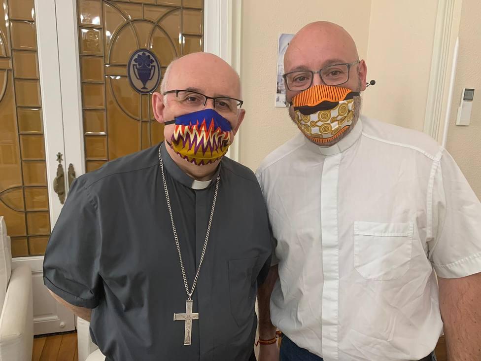 Nuestro Obispo con los misioneros