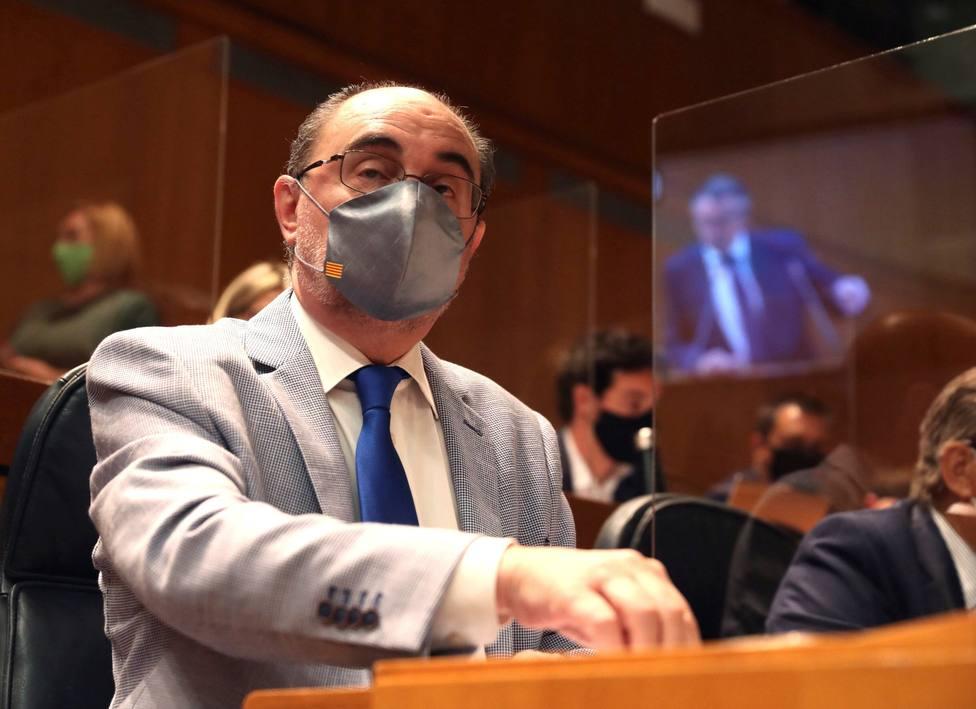 Mamparas entre escaños para evitar contagios de covid-19 entre diputados