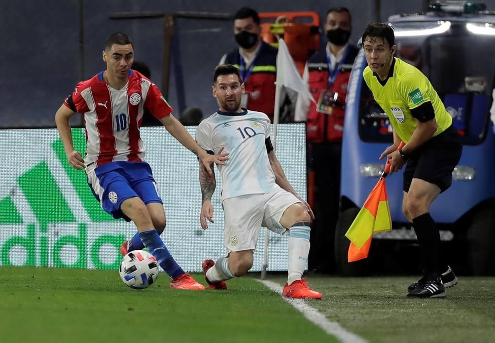Paraguay neutraliza a Messi y empata con Argentina en Buenos Aires