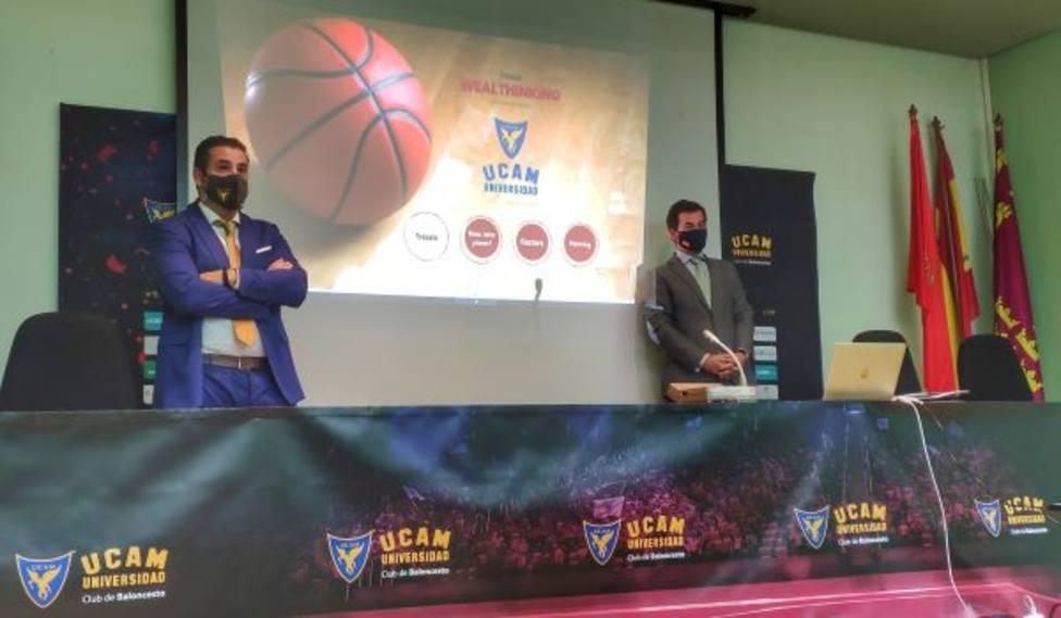 Tressis imparte un taller sobre planificación financiera a los jugadores del UCAM Murcia CB