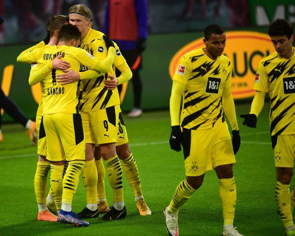 Sancho y Halaand lideran al Dortmund