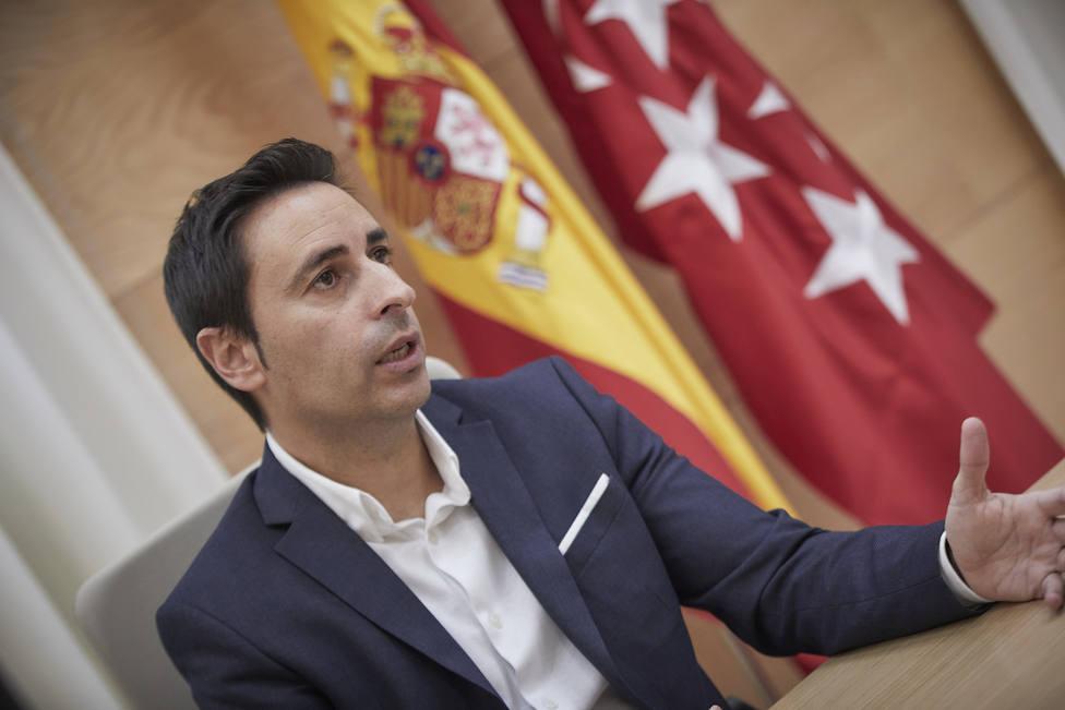 La Comunidad de Madrid limita salidas y visitas a residentes durante ocho semanas por la vacunación