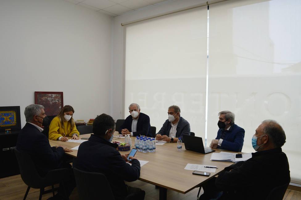 Un momento de la reunión celebrada en la sede del consello regulador de Monterrei