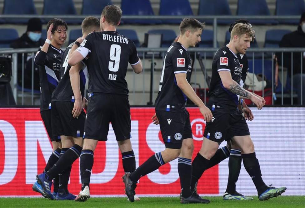 Okugawa saca al Arminia Bielefeld del descenso